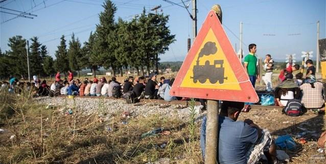 Οι καταστροφικές επιπτώσεις στην οικονομία, στις επιχειρήσεις και τον τομέα των μεταφορών από τη συνεχιζόμενη κατάληψη της σιδηροδρομικής γραμμής στην Ειδομένη – ερώτηση σύσσωμης της Κοινοβουλευτικής Ομάδας της ΝΔ με πρωτοβουλία Κώστα Καραμανλή